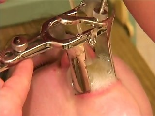 Captivating babe with piss drinking fetish getting her pussy drilled with insertions