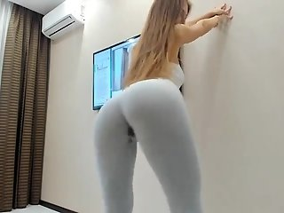 Teen Squirting in Yoga Pants- CUMCAM,COM