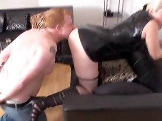 Bizarrlady Jessica dominate slaves