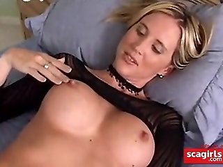 Dirty lady enjoy playing in front of a cam