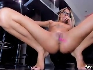 Tattooed cambabe has an amazing squirt fingering her pussy