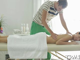 Blowjob in exchange for massage